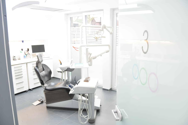 Behandlungsraum 3 der Zahnarztpraxis Stavros Avgerinos in Oberhausen